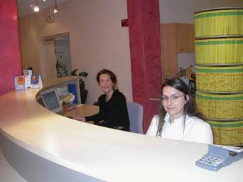 Borne d'accueil, Sandrine M. et Fabienne K.