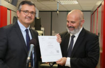 Remise-officielle-du-label-origine-France-garantie-au-groupe-biotech-dental
